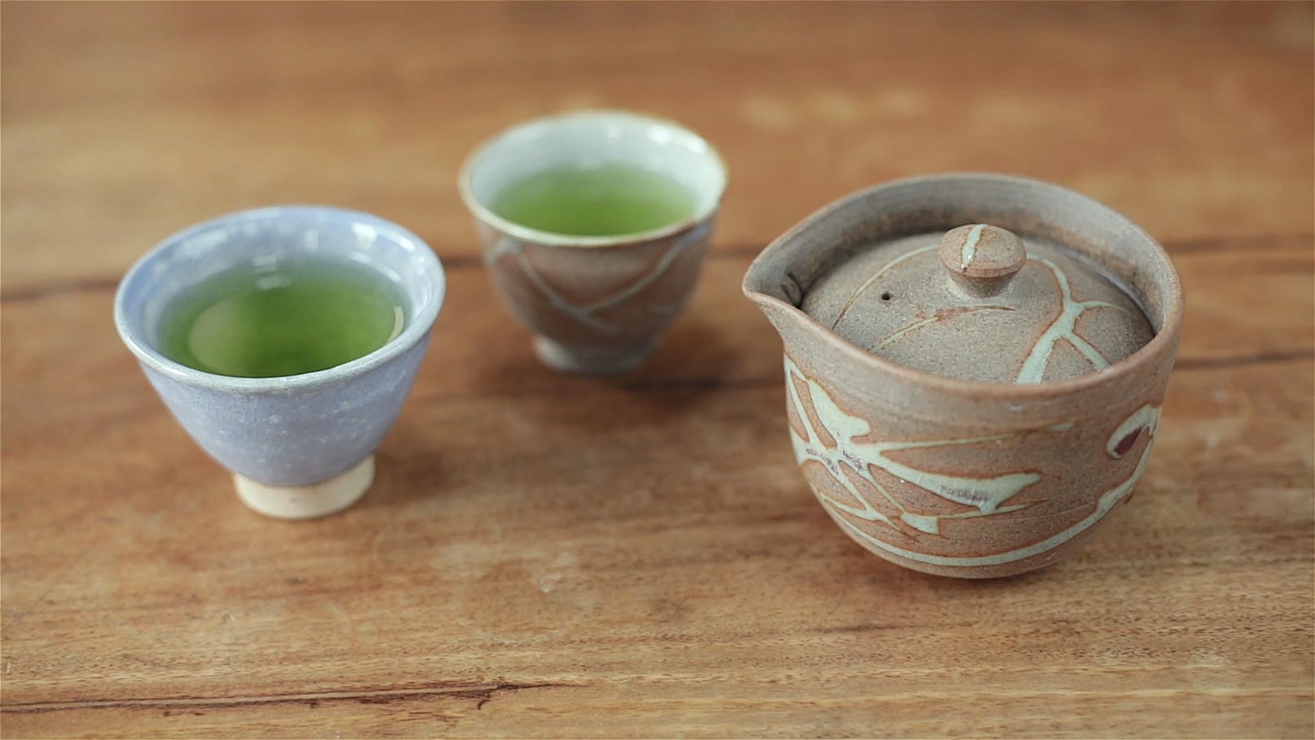 KIRISHIMA ARACHA SHINCHA - Kabuse Asatsuyu, infusion intensive dans un kyusu de Narieda Shinichiro pour profiter pleinement du thé (Photo : Arun Herzog)