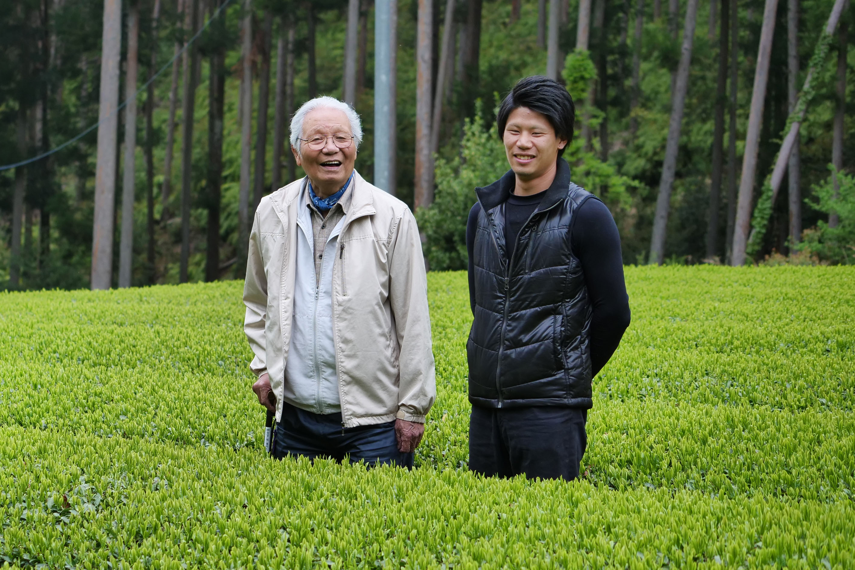 Iwao Hayashi (left) and his grandson Shuhei Hayashi (right)