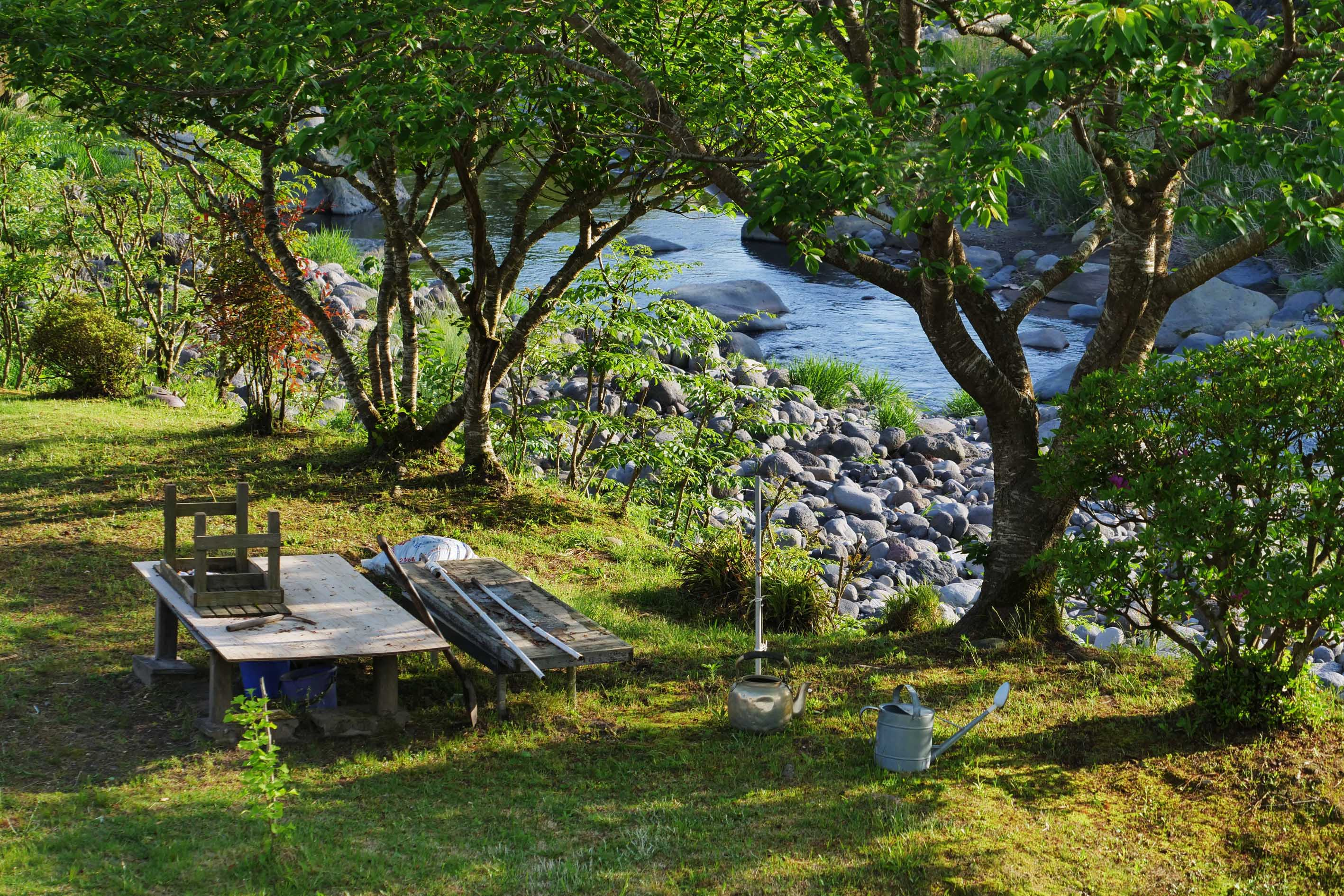NARIEDA Shinichiro's garden at the riverside of a small river in Kirishima